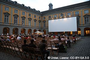 Internationale Stummfilmtage im Hof des Bonner Schlosses